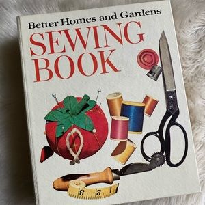 Vintage Better Homes and Gardens Sewing Book